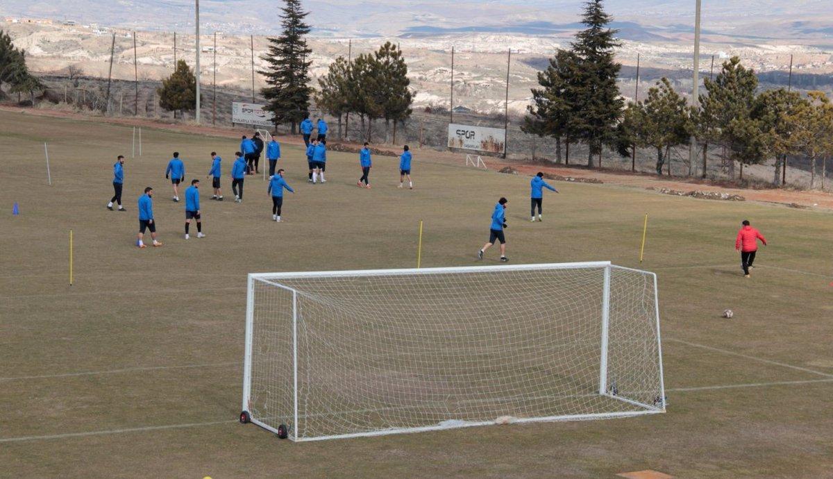 Nevşehir Belediye Spor, Gölcükspor maçına hazırlanıyor http://lalehaber.com/haber-nevsehir-belediye-spor-golcukspor-macina-hazirlaniyor-34655.html…pic.twitter.com/LuaxLzlOhp