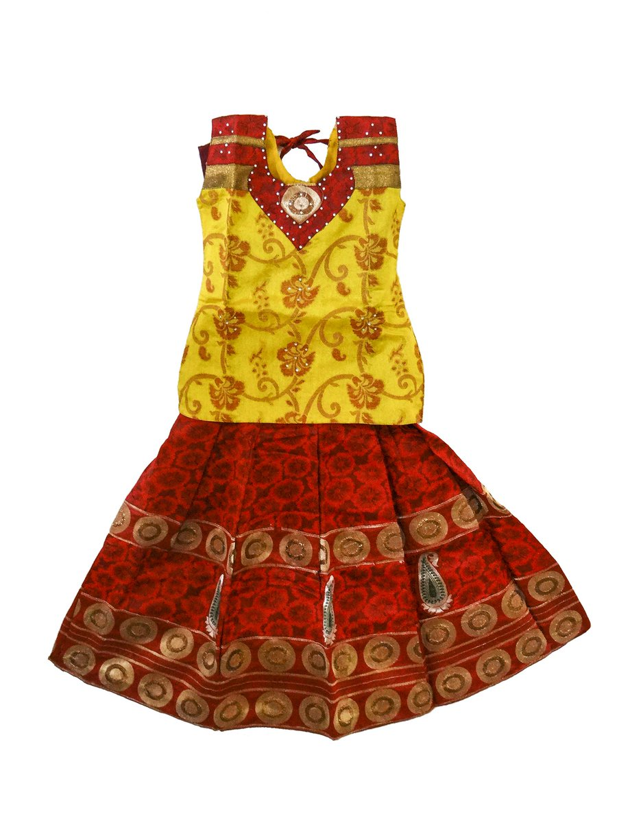 Buy an attractive traditional dress for girls South Indian Style pattu pavadai for your very little angles!!! #pavada #pavadasattai #langa #kidswear #kidsethnicwear #southindianfashion #indiankidsfashion #India  Buy online at https://www.bujuma.com/ whatsapp us at +919994892040.pic.twitter.com/1TSLiKbymL