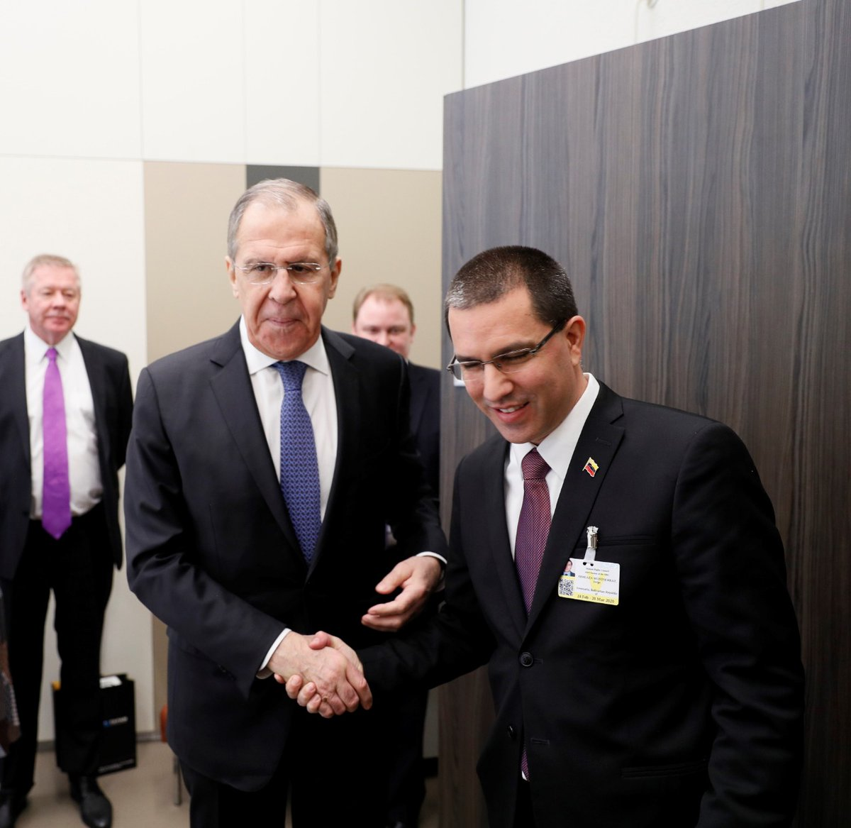 Sergey Lavrov met with the People's Power Minister for Foreign Relations of the Republic of Venezuela @jaarreaza. #Russia #Lavrov #Venezuela #Diplomacy<br>http://pic.twitter.com/ozgG9wFiS4