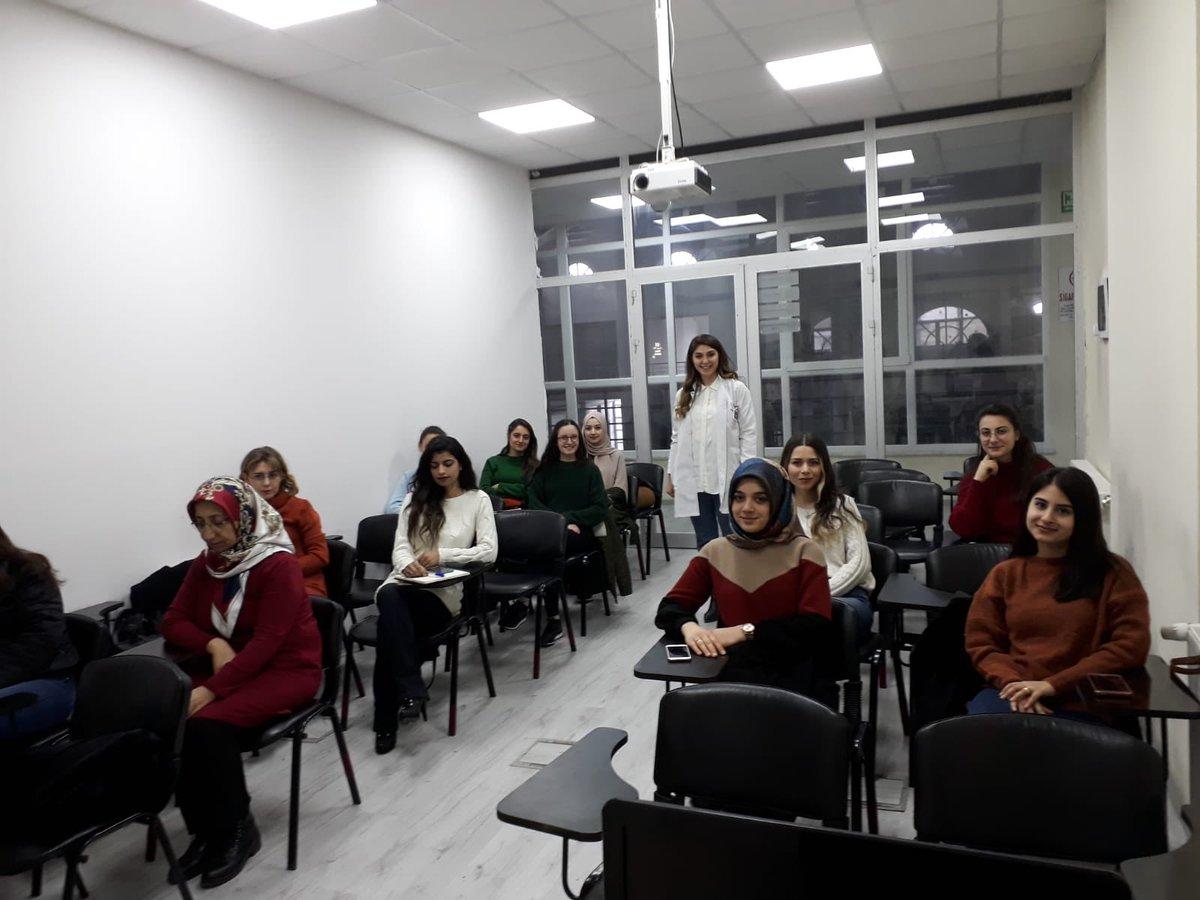 Türk İşaret Dili kursumuz başlamıştır. @RasimAri50 @nevsehir_belpic.twitter.com/9YFET4bfw4