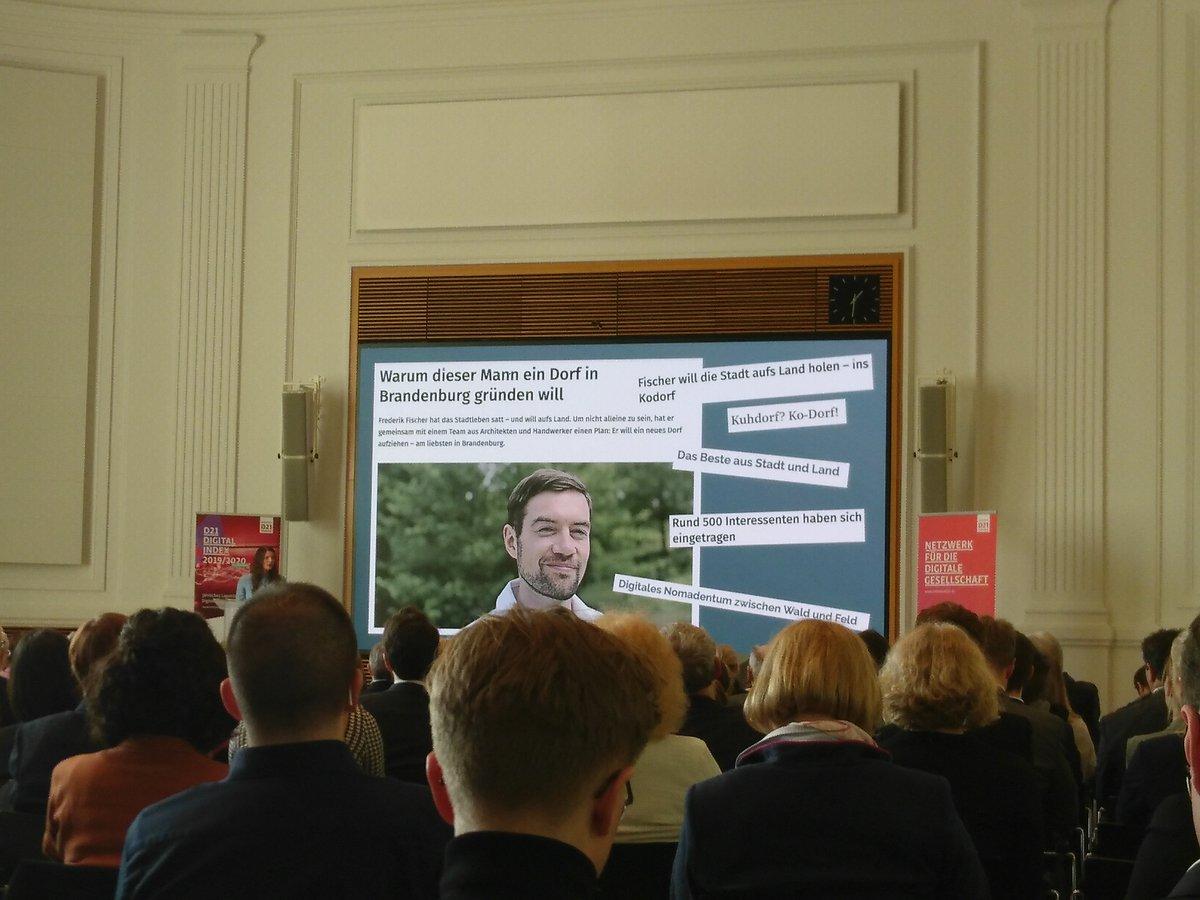Dorfleben digitalisieren? Z.B. im Ko-Dorf in Brandenburg #D21DG Digitale Zukunft selbst machen :)pic.twitter.com/ZQQSmQ818z