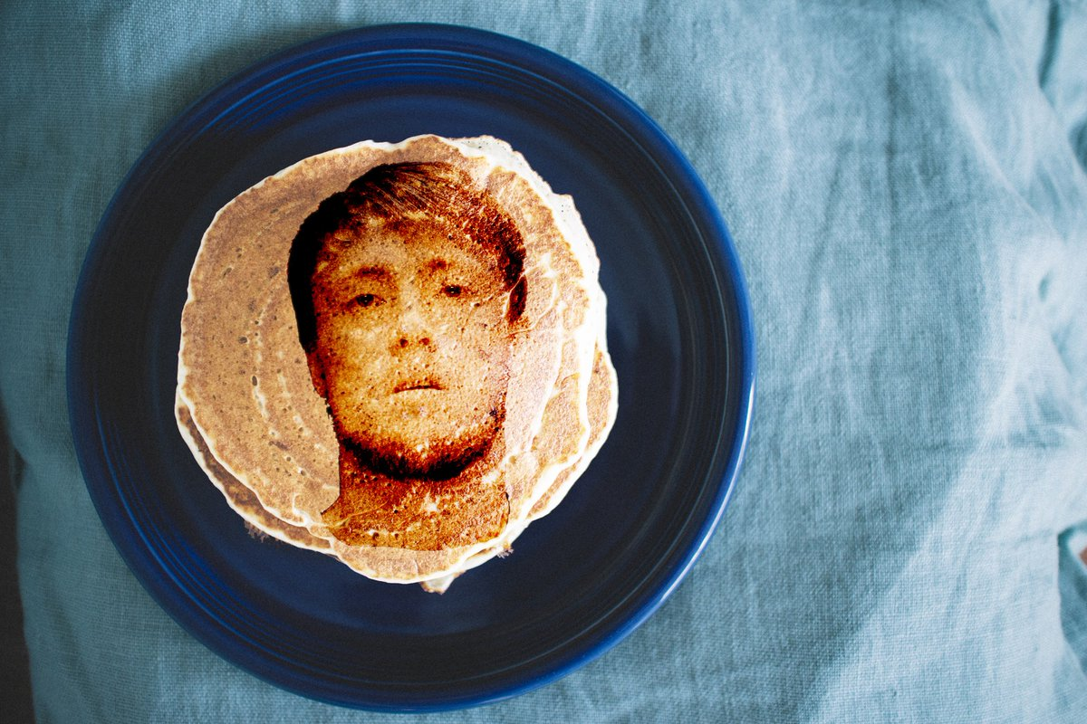 Surrey Police have been creating wanted appeal pancakes to mark Shrove Tuesday. Theyve released images of pancakes showing the faces of suspects theyre looking for, including Daniel Harber and Thomas Michael Cooper #HeartNews