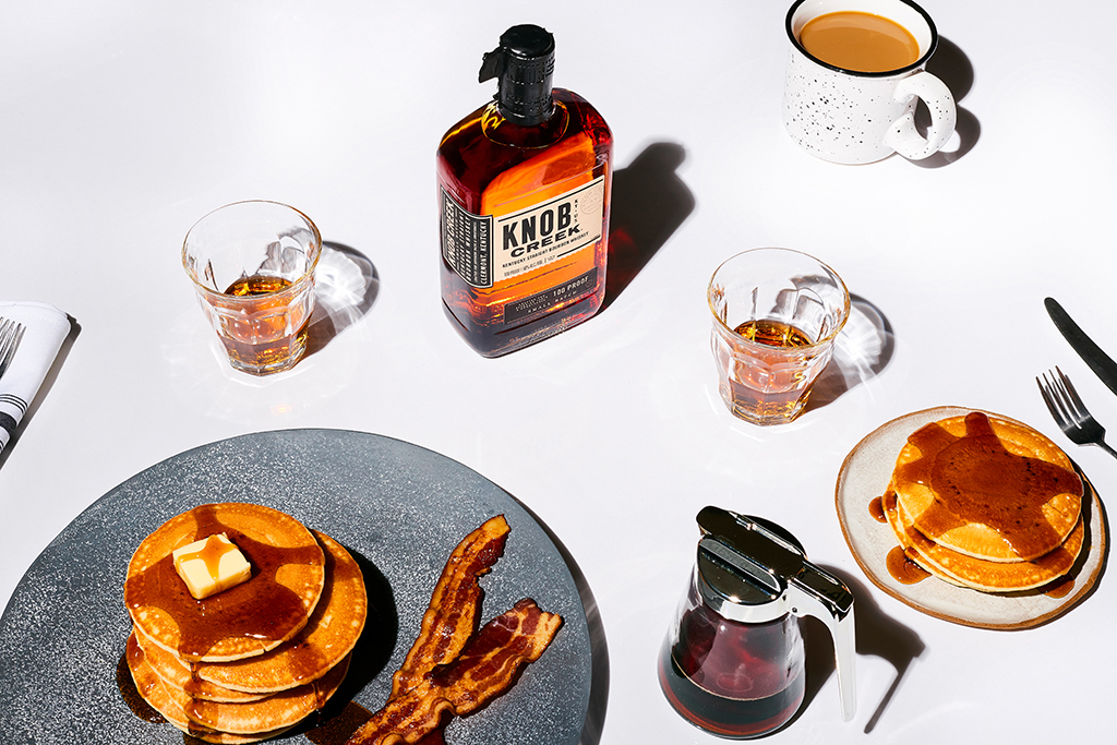 Some say our bourbon smells like maple syrup and pancakes, so we had to see for ourselves. We must admit, it's not the worst thing we've heard or tried all week.   #NationalPancakeDay #Bourbon #KnobCreek #EveryBitEarned https://t.co/f9Nv8wcDTk
