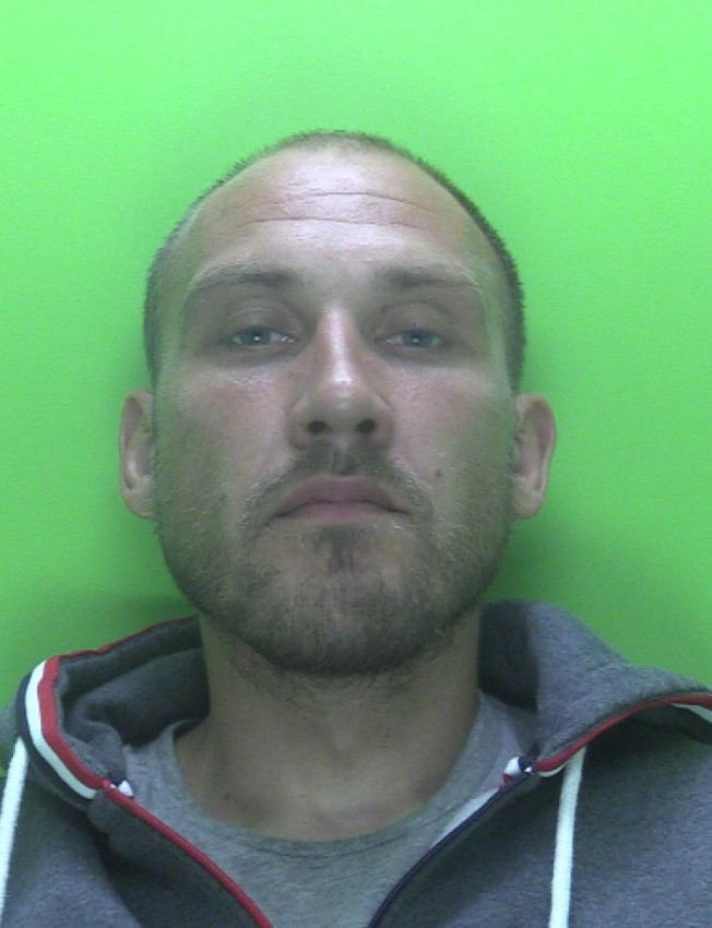A serial burglar from #Nottinghamshire who stole sentimental items belonging to a woman's dead daughter's been jailed. Ryan Worth from #Worksop admitted to carrying out 7 burglaries during his spree in July last year. The 35 year old's been locked up for seven and half years. pic.twitter.com/hWvVZNXyEW