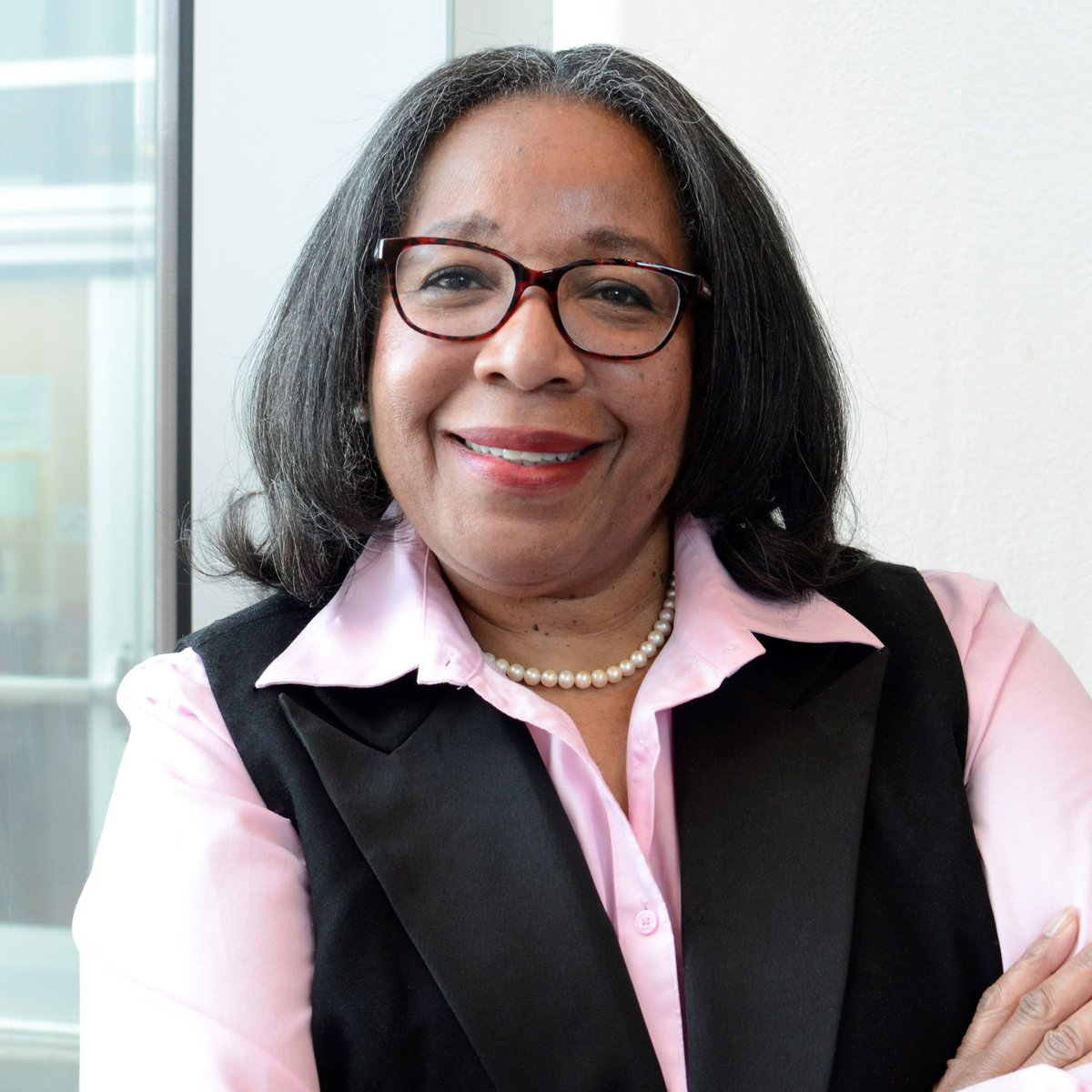 """On March 3 hear from @Alzheimers_NIH's  Dr. Michele Evans [@evansmkt ] speak on """"The complex interplay of biology and social determinates of #health : Stories from the streets of #Baltimore ."""" Learn more:  http://bit.ly/3avWpDk   #NIMHD2020"""