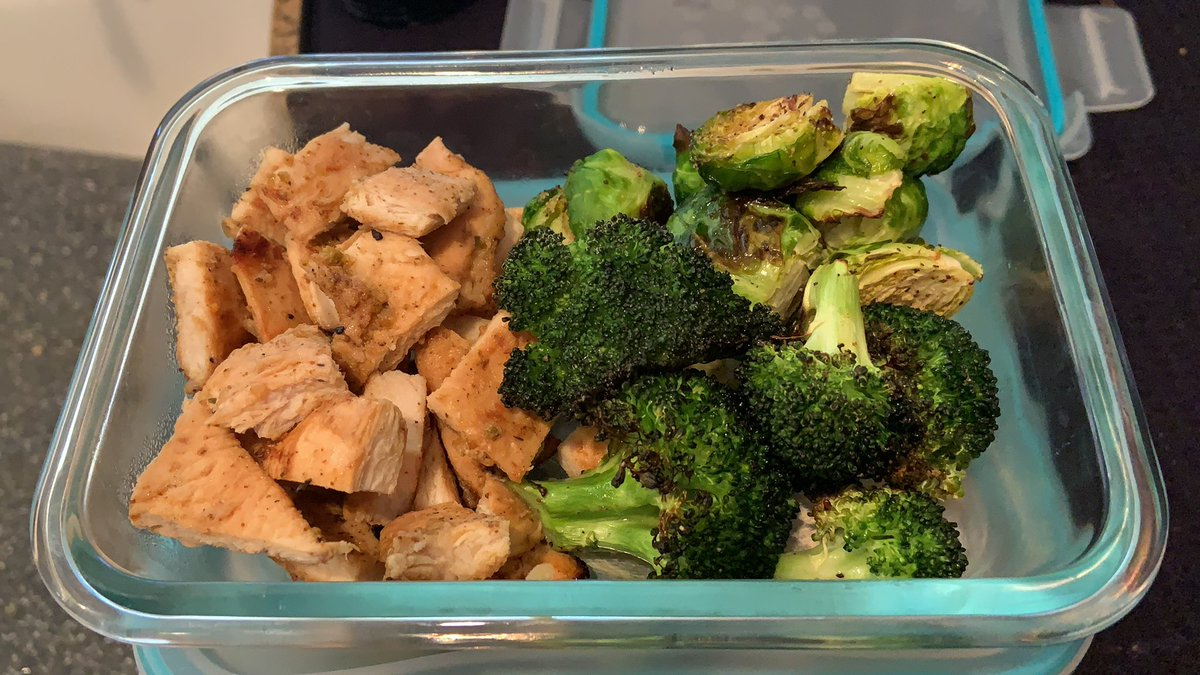 #MealPrep  for work this week:  #grilled  #chickenbreasts  with a #mojito  lime marinade and #roasted  broccoli and Brussel sprouts. #healthy  #nevergainingthat100lbsback  #vsg  #gastricsleeve  #maintenance  #food  #cooking  #yummy  #lessthananhourtoprepandcook