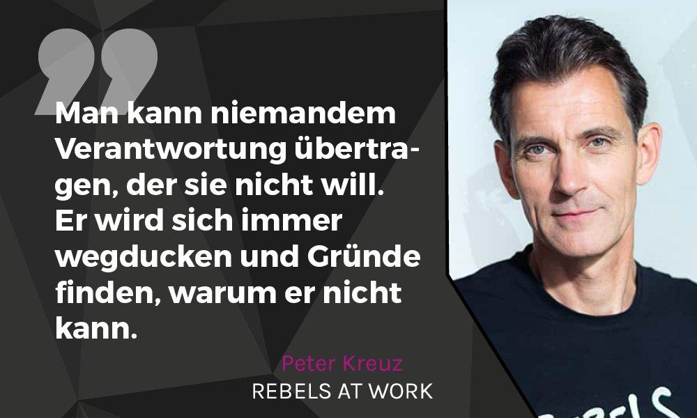@peterkreuz von @foerster_kreuz beim #RebelsAtWork Afterwork-Event in Hamburg über #Verantwortung in neuen Organistationsstrukturen #newworkpic.twitter.com/0QbtoChcc8
