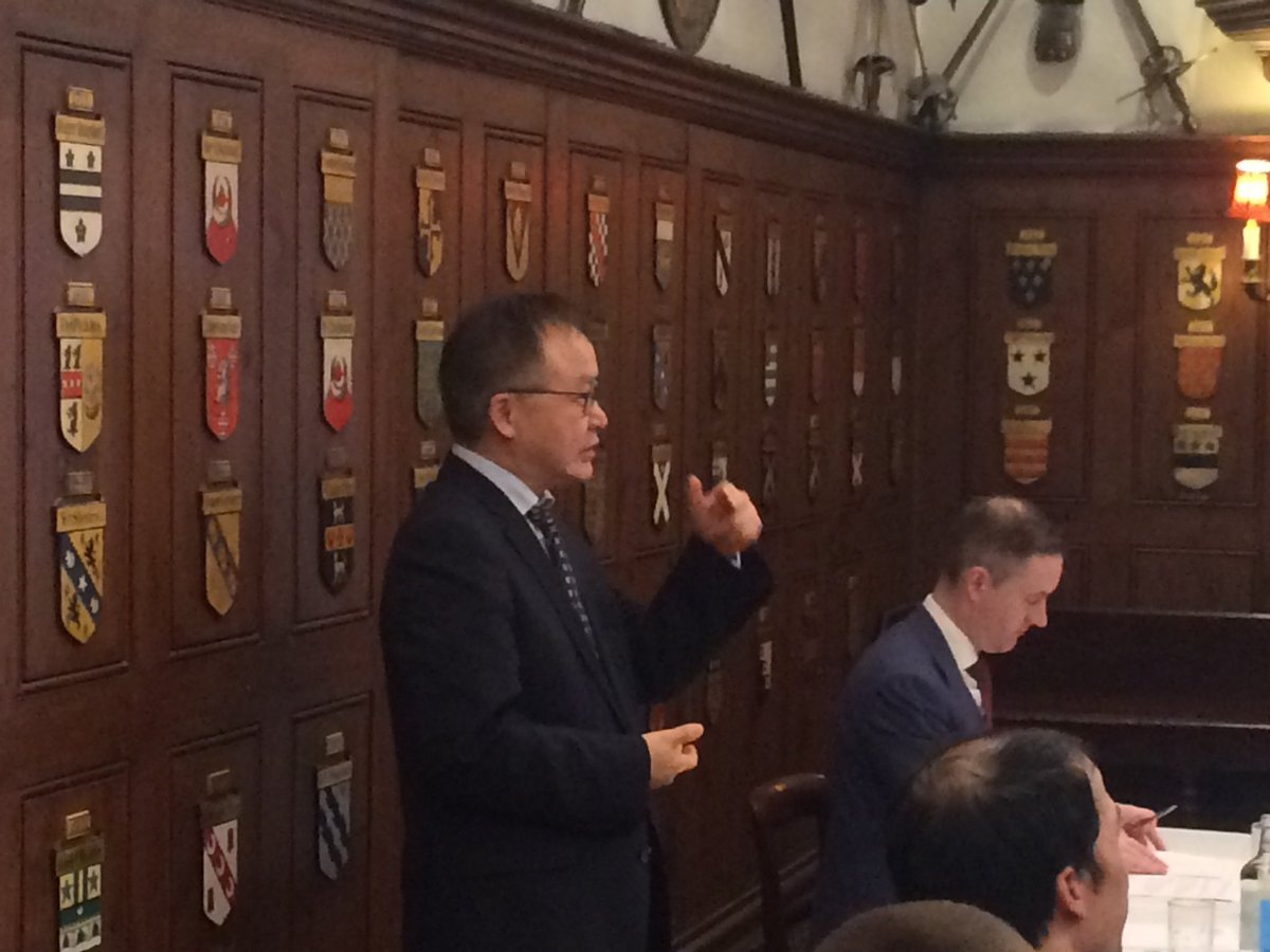 Prof Hongbiao Dong @uniofleicester renowned for work in metal Processing, casting, welding, 3D printing chairs Session 3 at the Postgraduate Research Symposium on Ferrous Metallurgy @ArmourerBrasier @mpi_uk@ @iom3 #FerrousMet3 #steelpic.twitter.com/hMJXLwBaQD