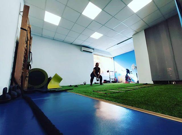 Alcanzar tus objetivos no tiene que ser la mejor parte, disfruta del camino hasta lograrlos y siempre habrá otro objetivo que alcanzar  #entrenamiento  #entrenamientofuncional  #entrenamientopersonal  #deporte   #salud  #deporteysalud  #core  #hiit   https://ift.tt/2T18iKV