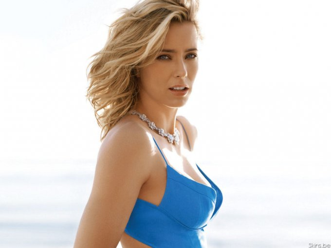 Happy birthday, Téa Leoni! Today the American actress turns 54 years old, see profile at: