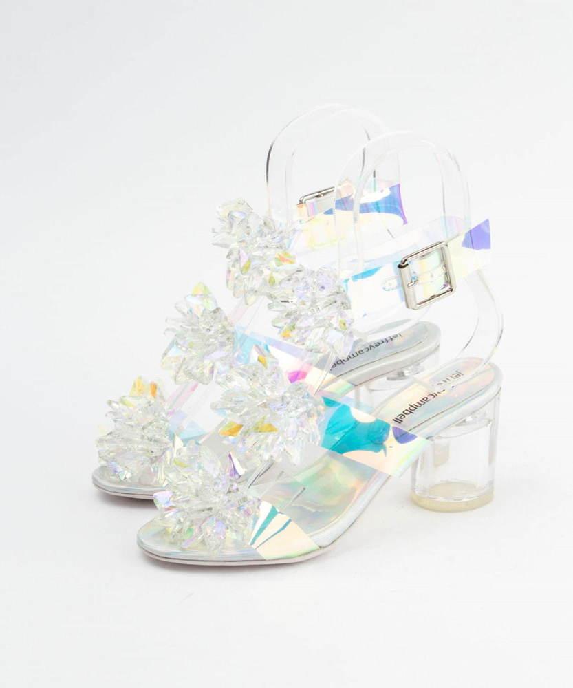ジェフリーキャンベル「フラワークリアヒールサンダル」新作、オーロラ色ベルトやビジュー装飾 -
