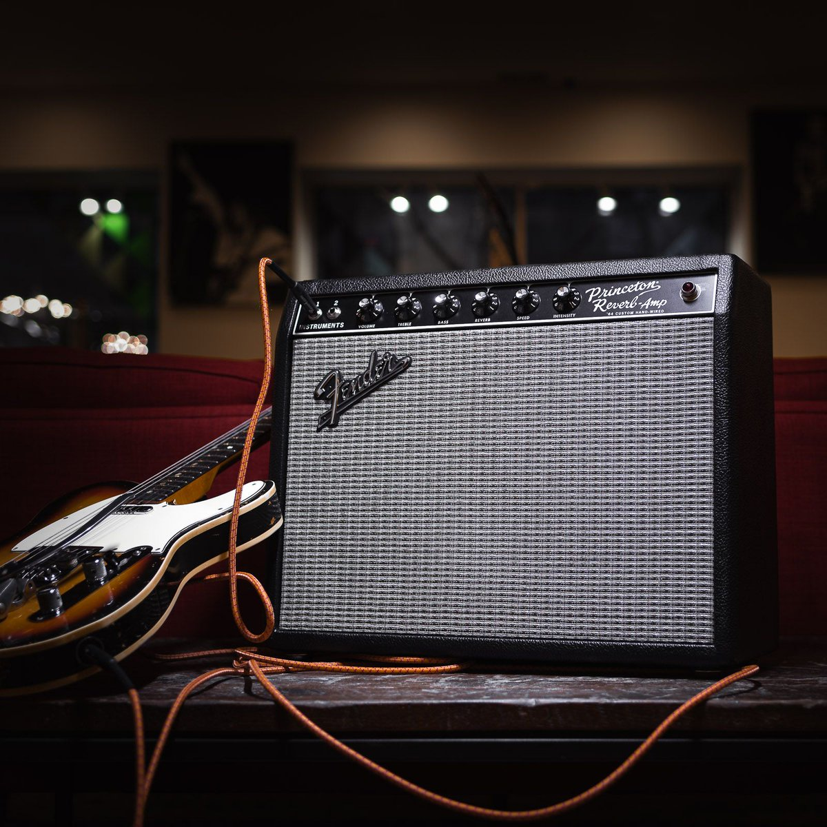 The tone of the 1960s is back in the @Fender 64 Custom Princeton Reissue. http://bit.ly/32gLPMJ #fender #64 #custom #princetonreverb #reissue #120v #gearwire #gearybusey #guitarspotter #guitarphotography #guitarsdaily #tonemob #knowyourtonepic.twitter.com/gr6qxTMT9k