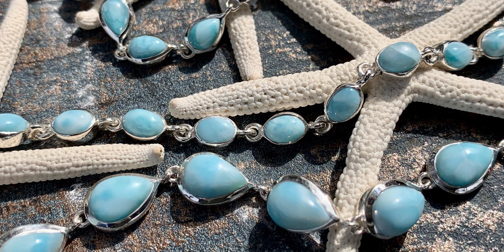 If the toughest decision you have to make today is deciding which bracelet you LOVE most, then consider it a GREAT DAY 💙 #beachtreasuresduck #jewelry #larimar #larimarbracelets #gemstonebracelets #sterlingsilver #mybeachtreasure #ducknc #obxnow #doducknc