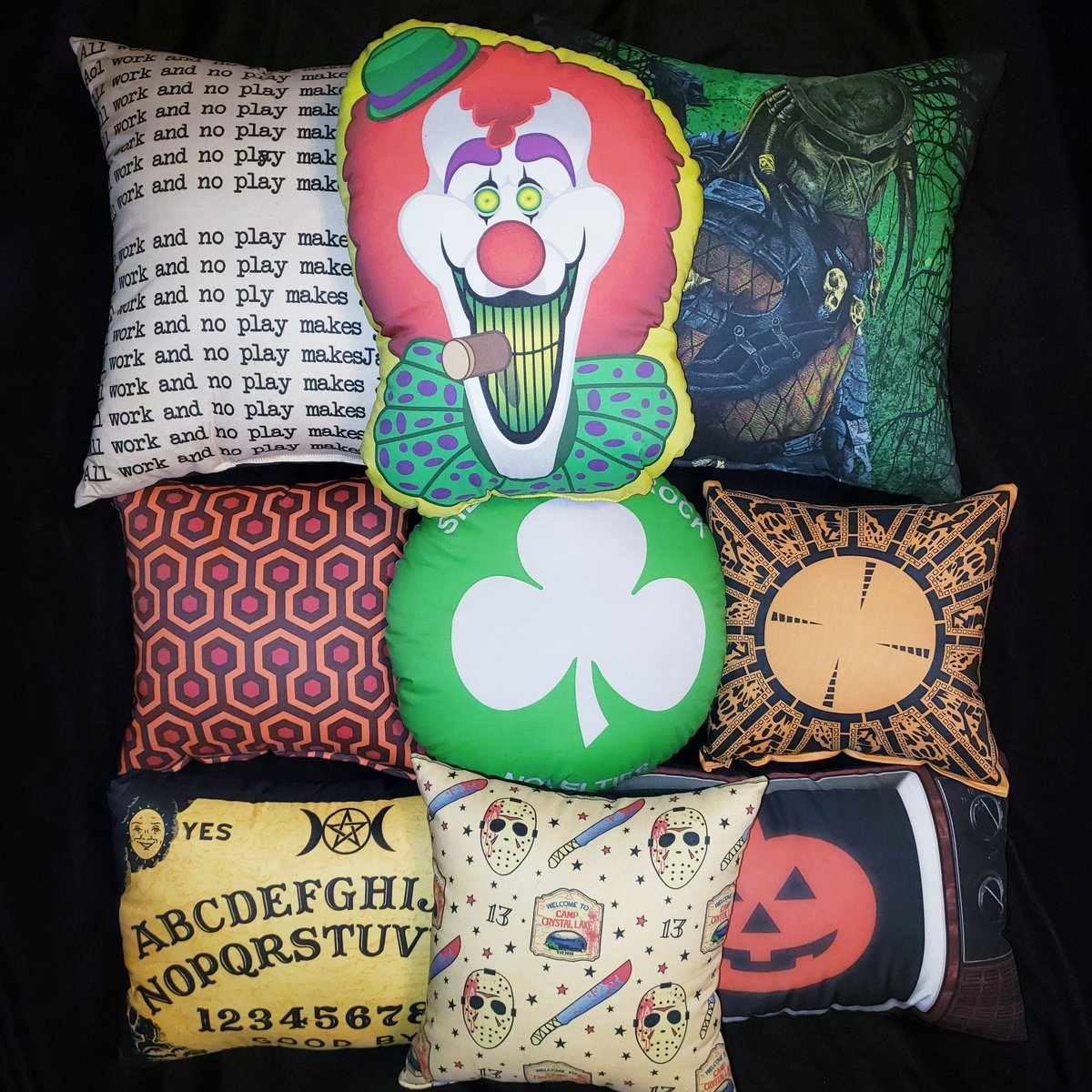 We make all of our pillows in our studio in Rhode Island. These are just some of the designs we offer.  https://horrordecor.com/collections/pillows …  #horrordecor #horrordecorofficial #handmade #horrorcollector #horrorpillowspic.twitter.com/ePnAoqUPXn