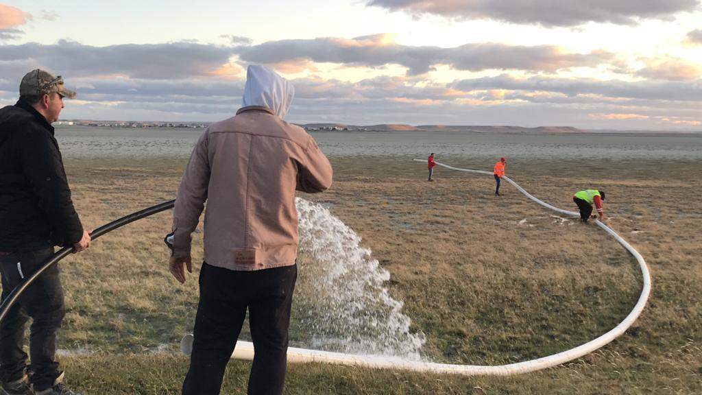 #TDF Gobierno esta llevando adelante un operativo de riego en Laguna Seca. https://www.lamuy.com.ar/post/operativo-de-riego-en-laguna-seca…