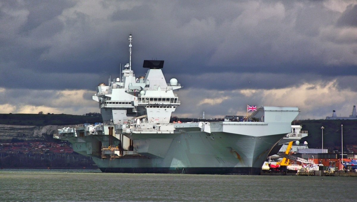 A ship of beauty. HMS Queen Elizabeth alongside Princess Royal Jetty in Portsmouth Harbour viewed from Gosport. Picture: Tony Weaver pic.twitter.com/ERiVse1bsh