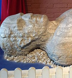 """Cardiff Giant Hoax of 1869 in Cardiff, New York - The #CardiffGiant, a """"petrified man"""" uncovered in Cardiff, #NewYork, was one of the greatest hoaxes in American history. The giant was found behind William ... https://www.geriwalton.com/cardiff-giant-hoax-of-1869-in-cardiff-new-york/…  #19thcentury pic.twitter.com/n0RI19FRzQ"""