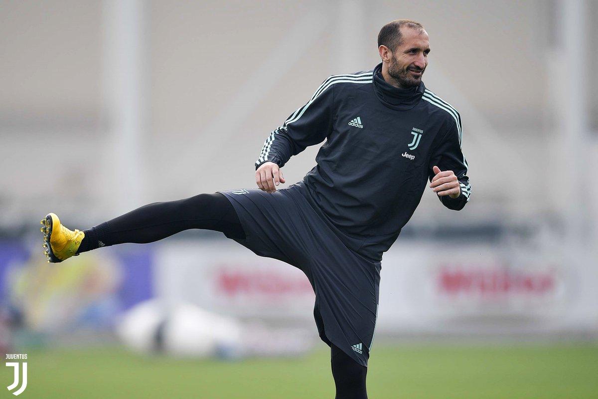 ➖1️⃣ para el #OLJuve  ¡El entrenamiento de los bianconeri en el #JTC! 📸  GALERÍA ➡️ http://juve.it/9wlM50yvtpd
