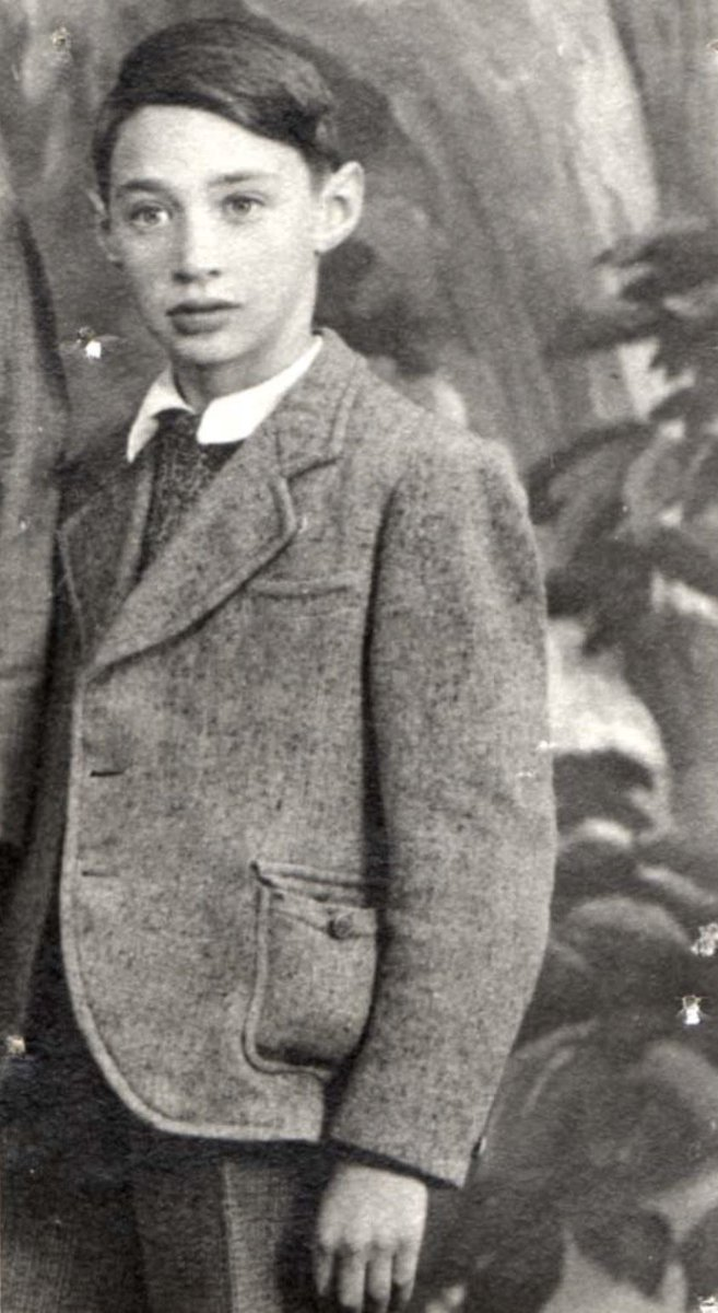 25 February 1932 | French Jewish boy Henri Dresser was born. He arrived at #Auschwitz on 9 August 1942 in a transport of 1069 Jews deported from Pithiviers and Beaune-la-Rolande. He was among 794 people murdered in a gas chamber. He was 10.