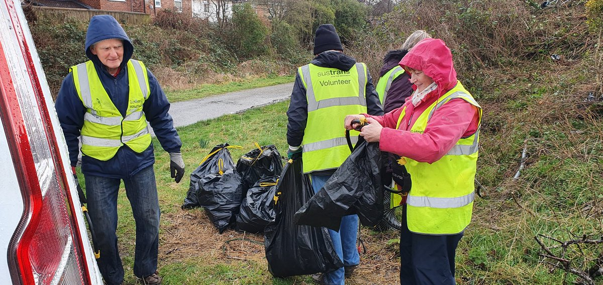Great to see the dedication of @sustrans volunteers clearing up the Loop Line this morning whilst also deeply disappointing to see the extent of the fly tipping & dumping