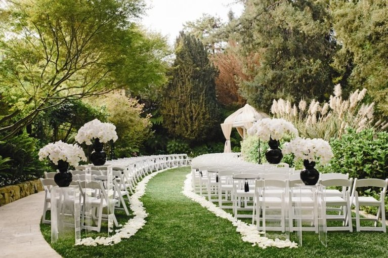 Planning an #outdoor #wedding in #Waterloo or #Cedarfalls #IA this year?  Now is the time to book your #luxury #restroom #trailers.