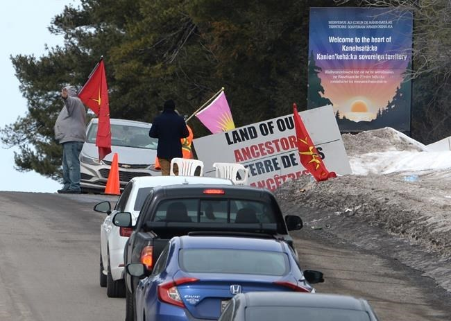 The latest on protests across Canada in support of Wet'suwet'en hereditary chiefs http://dlvr.it/RQkYTQpic.twitter.com/YKSsS6UPCz
