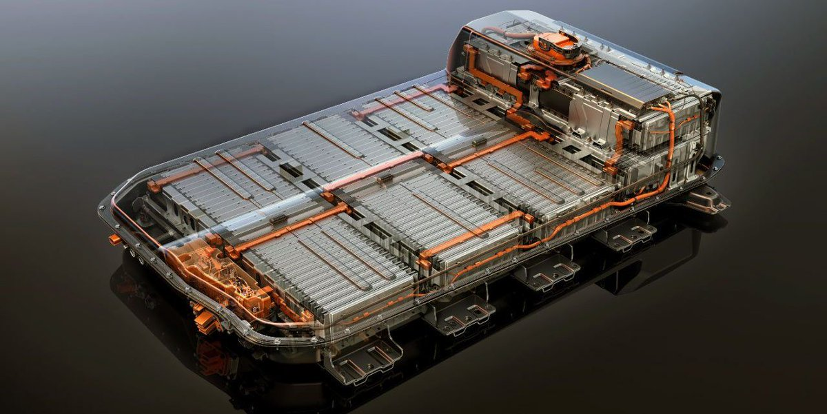 "#ICYMI - We couldn't agree more with #GM's director of battery cell engineering, Tim Grewe: ""The costs are coming down dramatically. We're not anywhere close to the bottom."" 🔋 https://buff.ly/2OHCNmm"