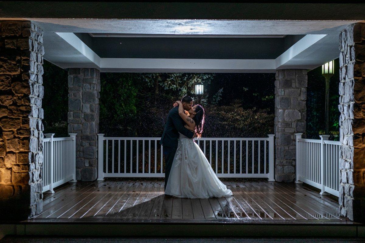 To love one that is great, is almost to be great one's self. @_mmelz  Photographer / @imophotostudio Venue /@bridgewatermanor #wedding #bride #weddingday #bridal #weddings #weddingdress #bridalfashion #weddingtime #weddingbridal #weddingdetails #bridesdress #imostudiopic.twitter.com/H9xzQgWZyZ