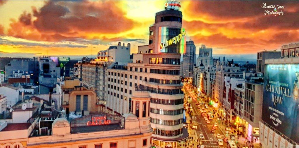 Postales de #Madrid #GranVía #VisitMadrid #spain #VisitSpain @TurismoMadrid @MADRID  #sunset #photooftheday #picoftheday