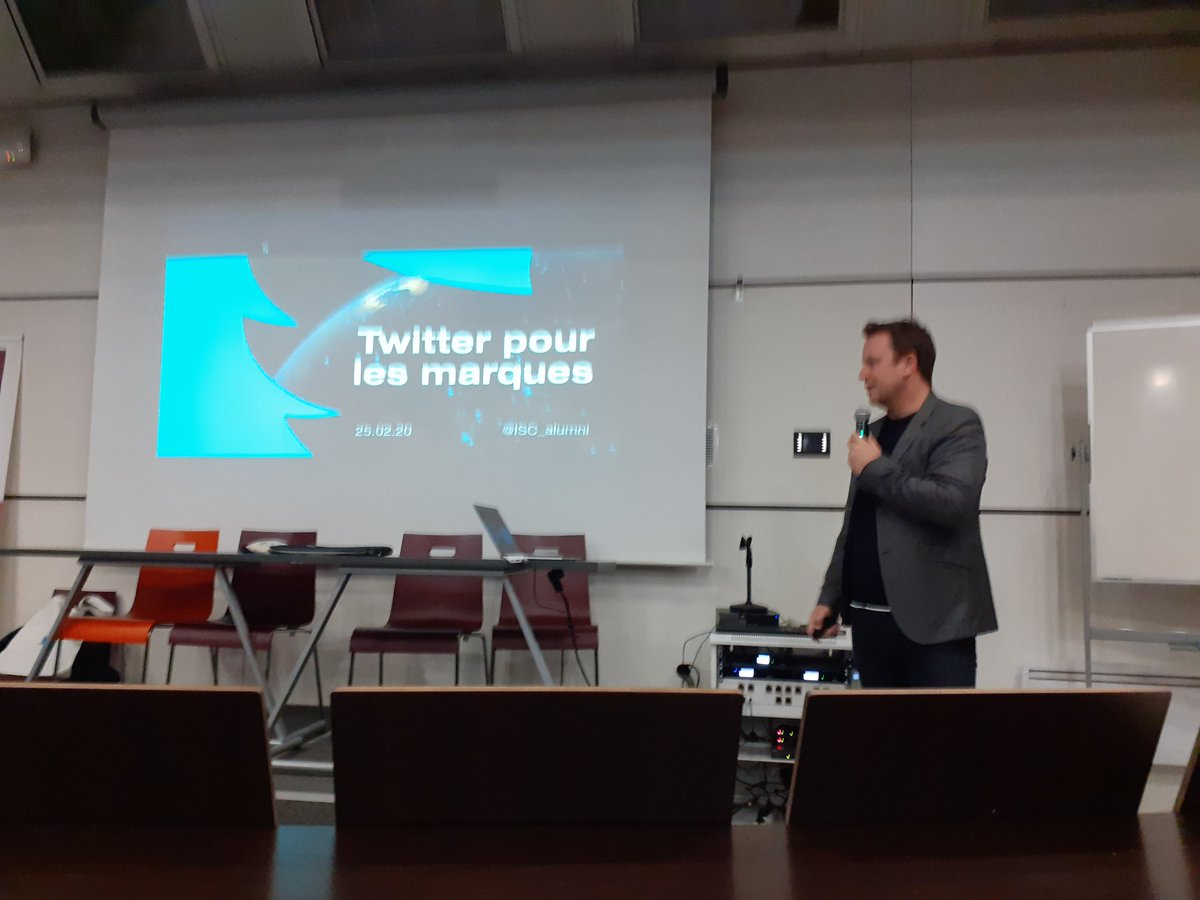 @laurentbuanec nous parle de la stratégie des marques sur Twitter pour construire leur image, accompagner leurs annonces et se connecter aux actualités #engagement #reputationpic.twitter.com/VpFoft3IV2