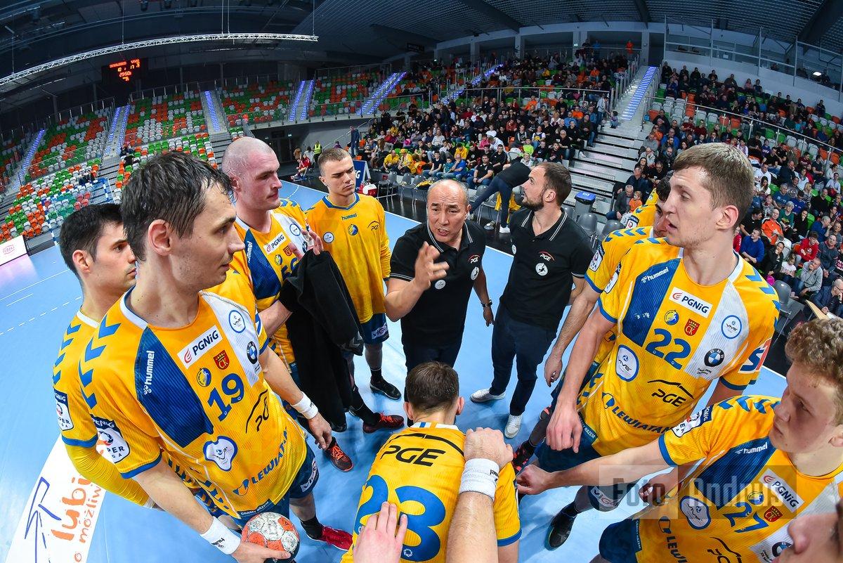 Wynik przewidywalny ;)  @MKS_ZL @kielcehandball @pgnigsuperliga @handballpolska #handball #pilkareczna #sportpic.twitter.com/RVu1C9MDM6