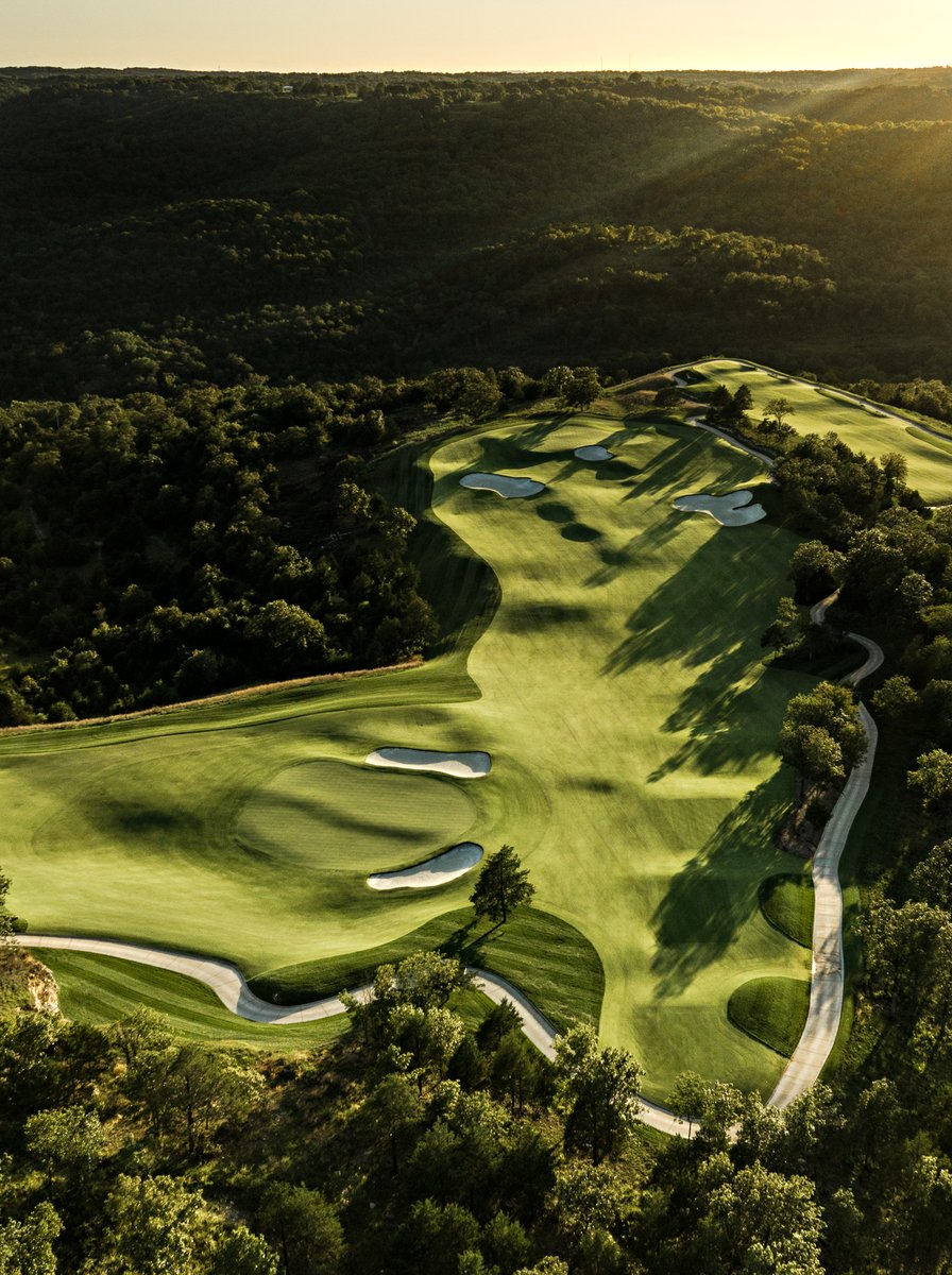 Payne's Valley Preview Play starts next week! Check out this article by @GOLF_com and learn how you can book your tee times starting March 6th- https://t.co/UmEVbPku7l #bigcedargolf #tigerwoods 📷: @caddiemag https://t.co/iAReuxukJC