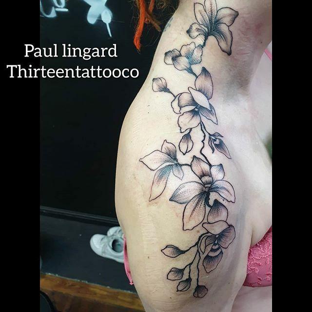 By paul @sharpiepaul @thirteentattooco #worthing #worthingtattoo #worthingtattooist #tattoolife #tattoooist #tattoo #thirteentattooco #flowertattoos #flowers #inkedgirl #girlswithink #girlswithtattoos #art #bodyart #ink #inked #artwork #blackgreytattoopic.twitter.com/hCBaQuIwSd