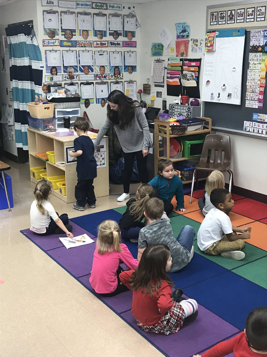 Great job Jade! She is working with our pre-schoolers during her internship hours.
