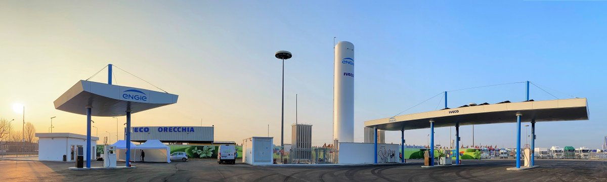 .@CNHIndustrial brand @IVECO partners up with @ENGIEitalia to create an innovative and sustainable LNG refueling station. #InnovativeIdeas #Sustainable #ZeroCarbonTransition. http://bit.ly/38WCLPD http://dlvr.it/RQkvbHpic.twitter.com/5gHO3UUeXE