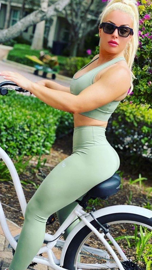 Golden ride: Mandy Rose🚲👀  #WWE #WWELive #SDLive #SmackDown