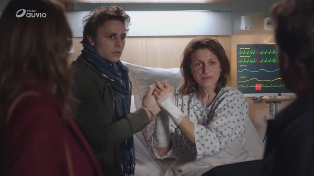 """#picoftheday📸: Héléna : """"Je te présente ton fils"""" 😱 Quelle vie secrète cache Antoine selon vous ? #Réaparition🗞#quiestuAntoine"""