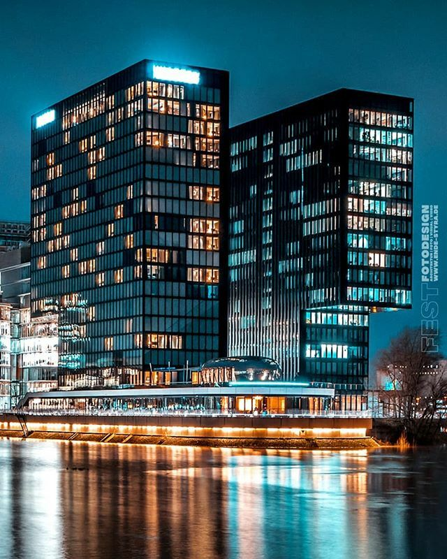 #nightshot #architecture No.2020-02-03 #TealandOrange #Düsssldorf #Medienhafen #nighthawks #Fotograf #Architekt #3Dvisualisierung #Immobilien #RealEstate #Architekturfotografie #NRW #FESTFOTODESIGN . #bestnightpics #nachtfotografie #nightshots  #langzeit… https://ift.tt/3c53F9Xpic.twitter.com/XTsDOr8ytJ
