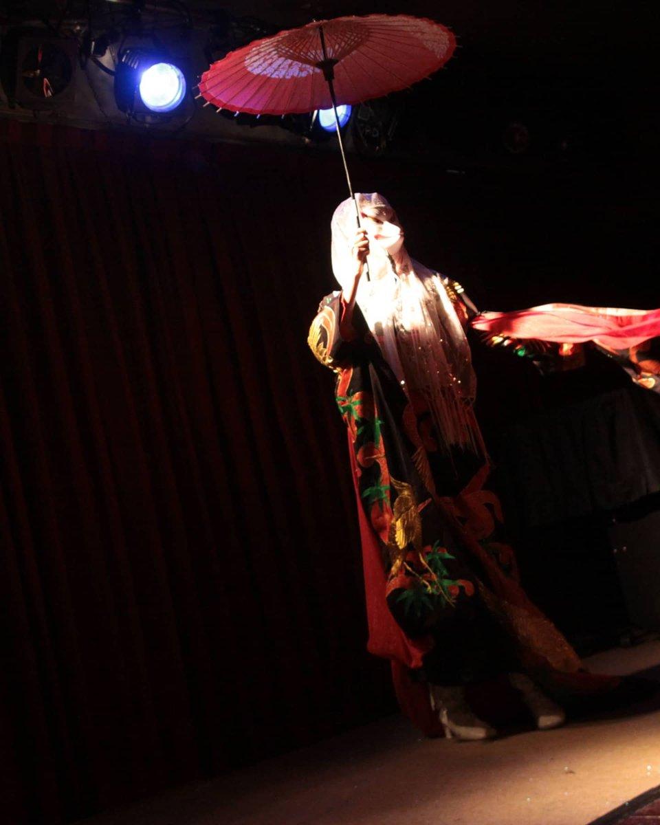 #懐かシリーズ #バーレスク #狐の嫁入り #りりこ #burlesque #showgirl   photo by Lilly Lens MWB にて