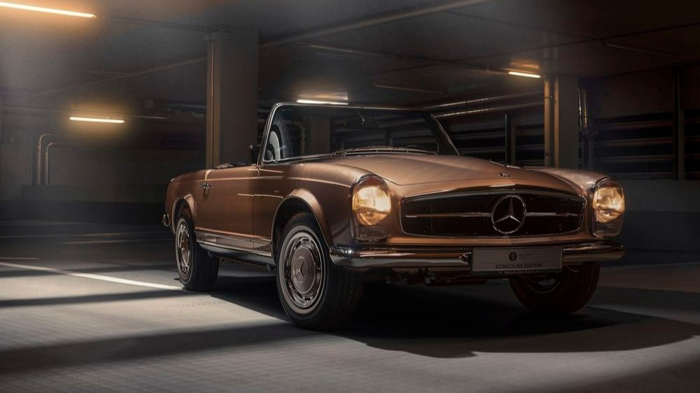 Ready for a drive with the golden 1968 Mercedes-Benz 280 SL? This restored pagoda of the #alltimestars Concours Edition has a top speed of 195 km/h to offer and convinces with its chic black interior http://mb4.me/mballtimestars  @MB_Museum #MBclassic #MercedesBenz #ClassicCar