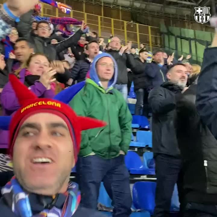 MOMENTS AGO! The Barça fans at San Paolo celebrate @AntoGriezmann's equalizer! 👏 👏 👏 👏 👏 👏