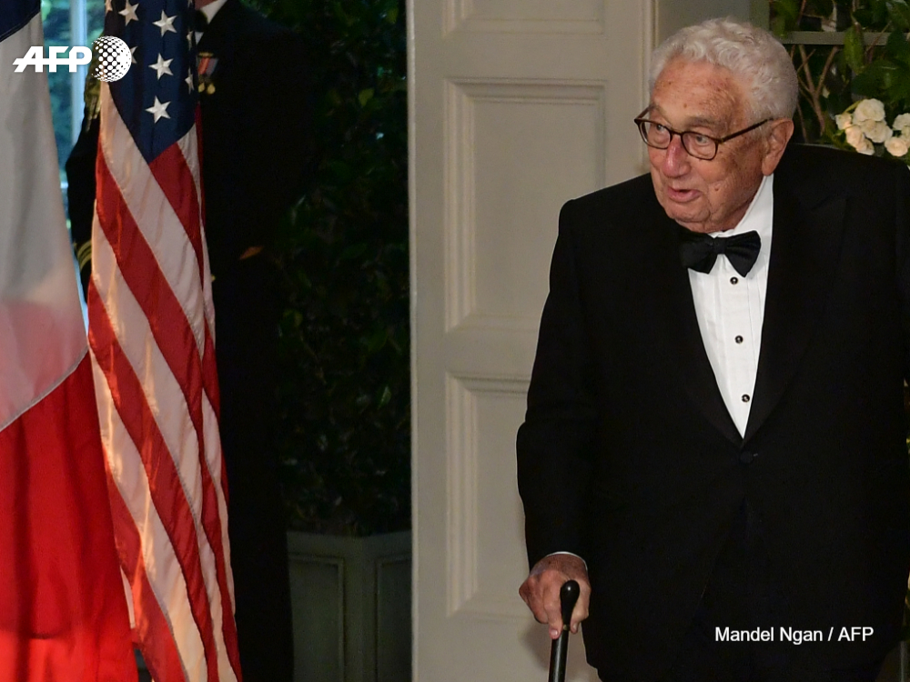 Henry Kissinger says flattering remarks attributed to him about President Donald Trump are inventions bit.ly/2SXPGeu