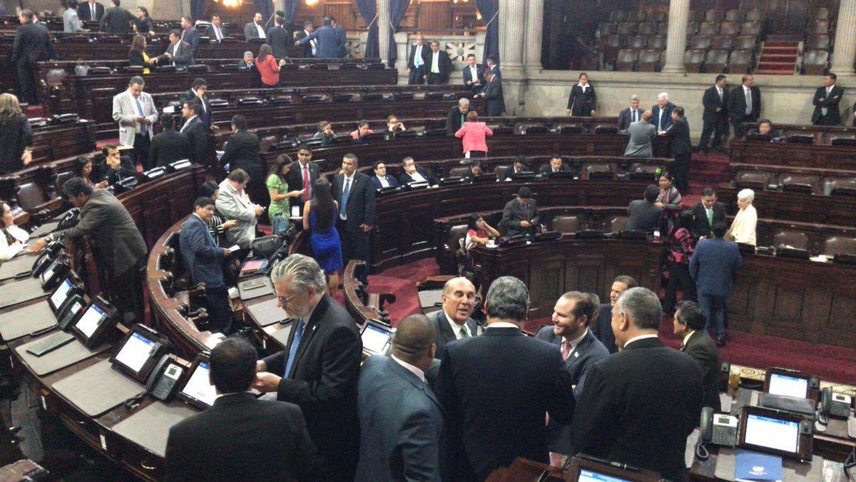 test Twitter Media - El pleno de diputados reanuda la sesión permanente con un quórum de 131 diputados. https://t.co/w1AEFN0QuR