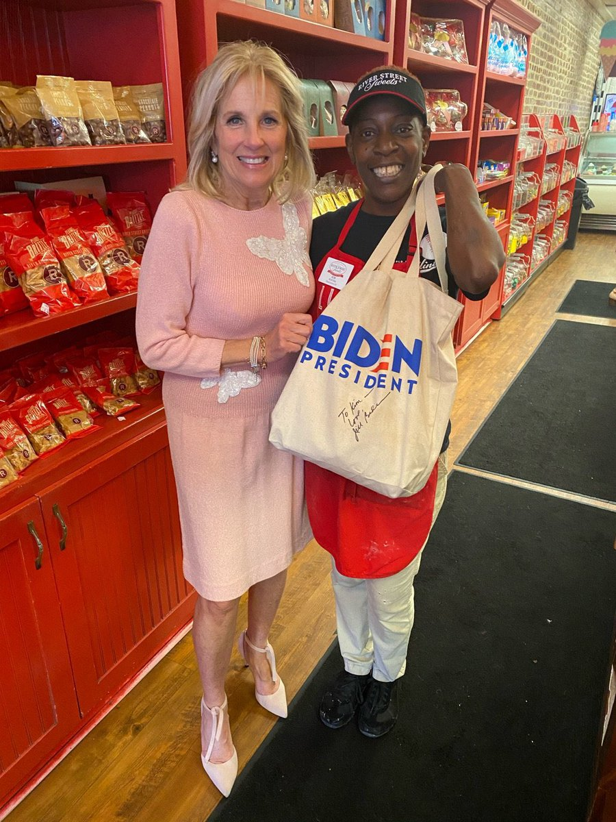 Picked up a few sweet treats for @JoeBiden in Charleston this afternoon!