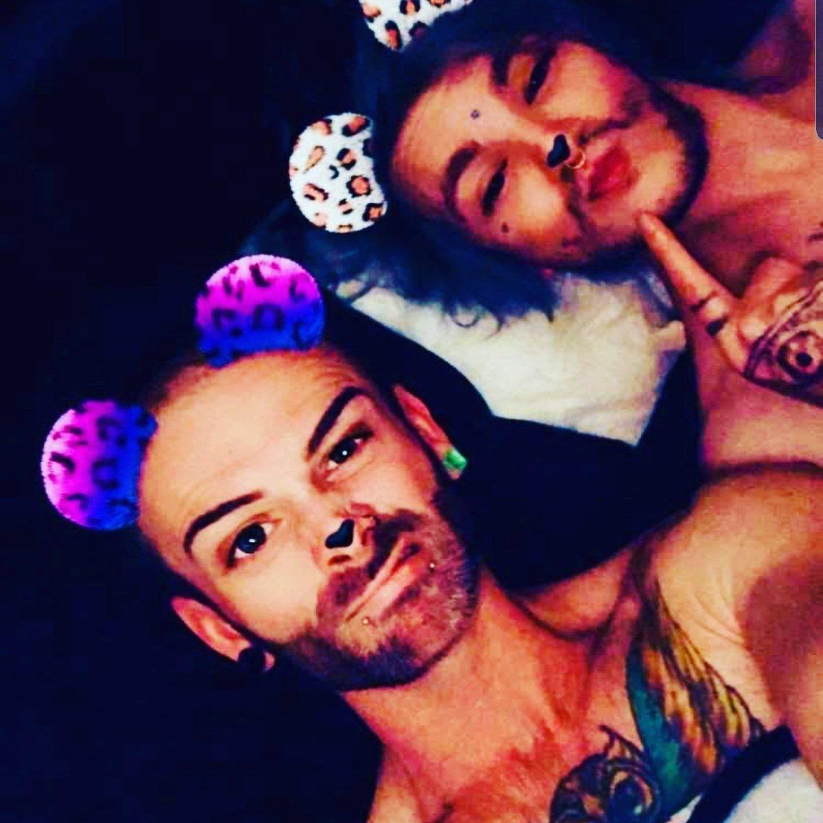 #NewProfilePic #follobackforfolloback #LoveStory #gaypride #futurestar #Superstar #fame #futurehusbandpic.twitter.com/3eHKGlTl1h