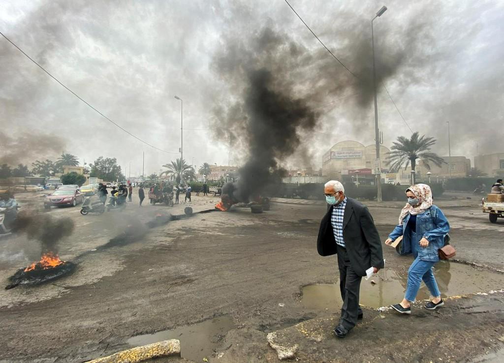 First Iraqis catch coronavirus amid fear of Iran epidemic spillover