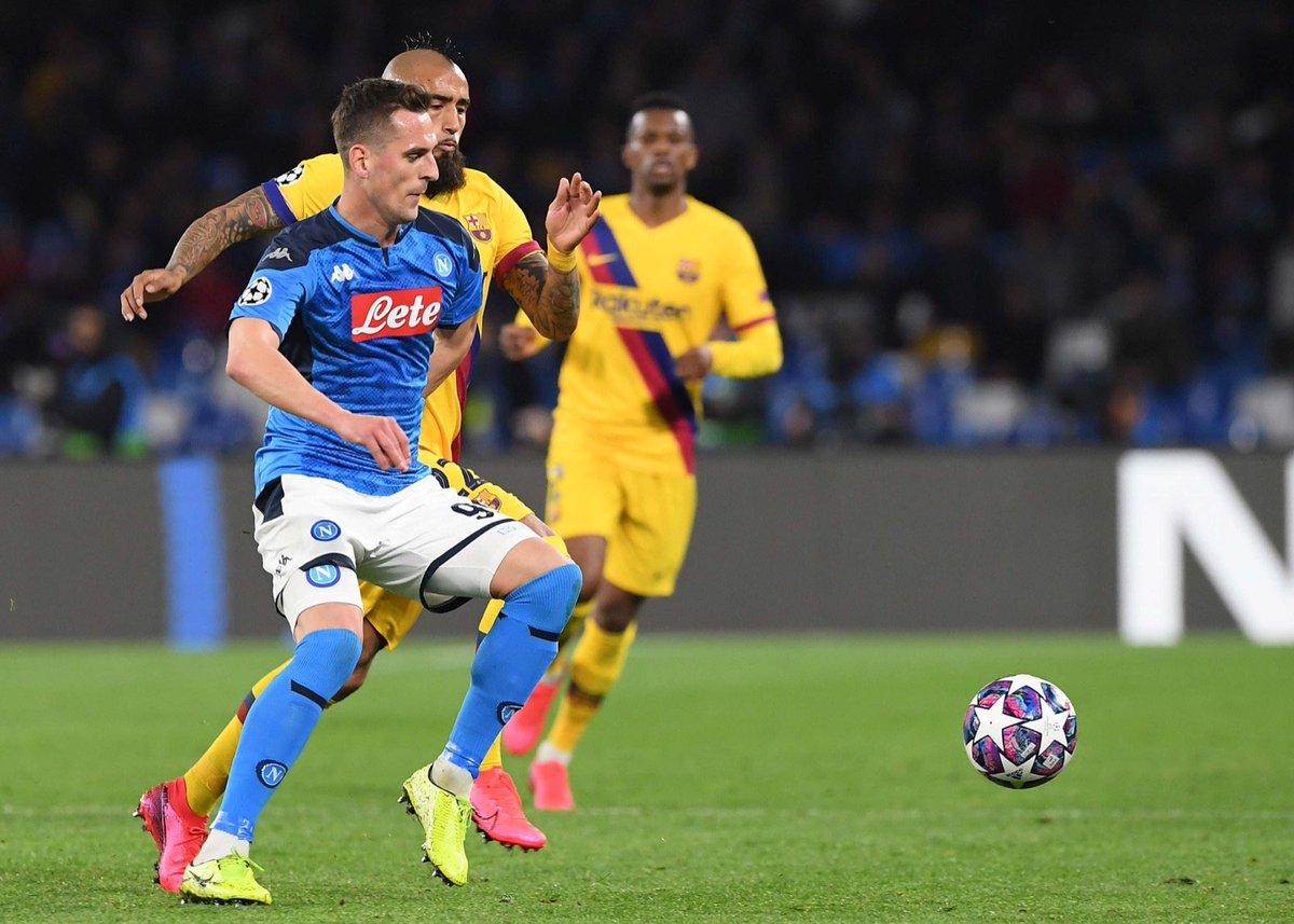 "Cuore, passione, sofferenza. Manca solo la parola vittoria stasera. Forza Napoli!  Heart, passion, hard work. Only the word ""win"" is missing tonight. Forza Napoli.  Serce, pasja, ciężka, praca. Zabrakło tylko słowa zwycięstwo. Forza Napoli."