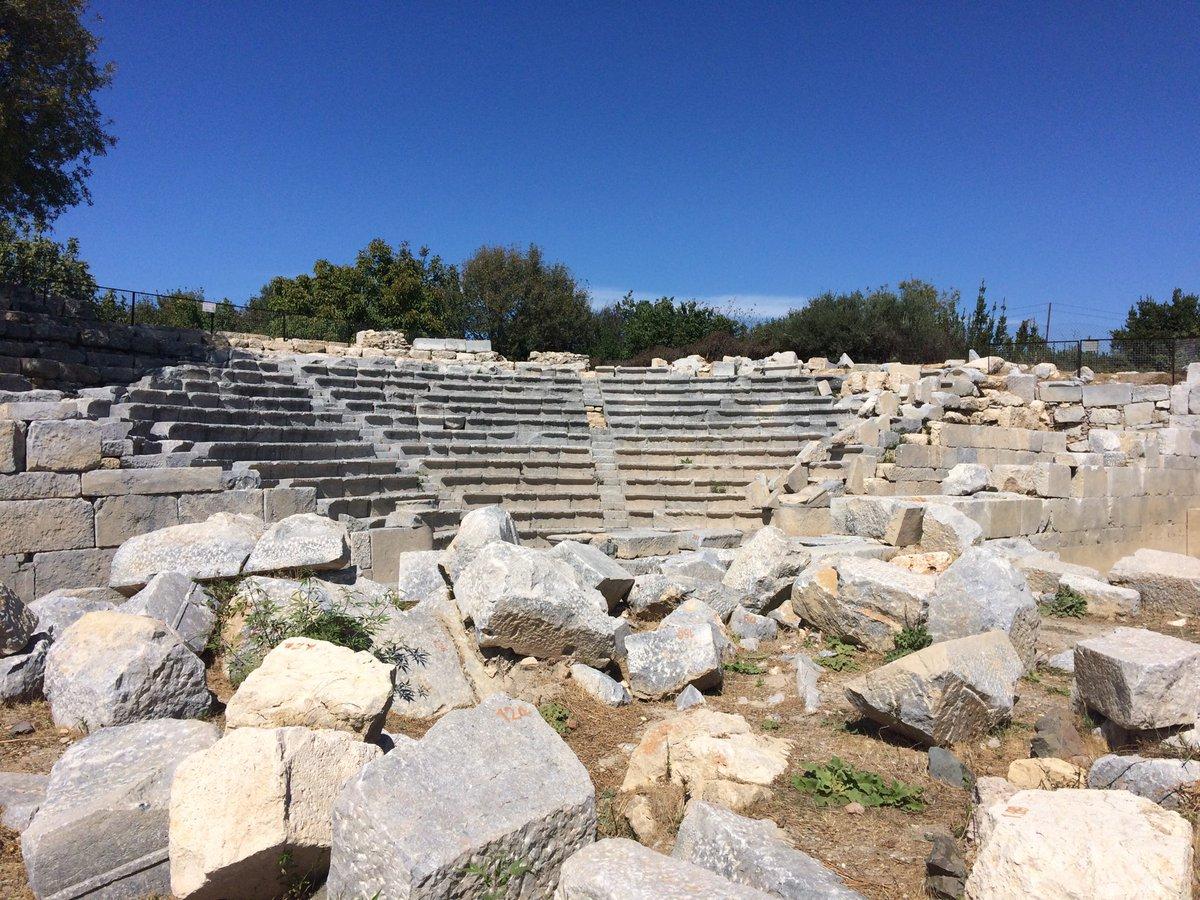 Bouleuterion of Teos, Ionia... #ancientanatolia #ancientgreece #teos #ioniapic.twitter.com/UFIoaUy94y