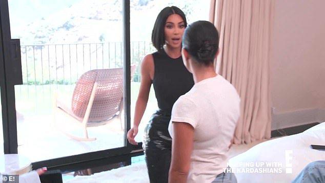 Kim Kardashian throws a punch as fight with Kourtney getsphysical https://stylemonument.com/kim-kardashian-throws-a-punch-as-fight-with-kourtney-gets-physical/…pic.twitter.com/xu5smVYZD2