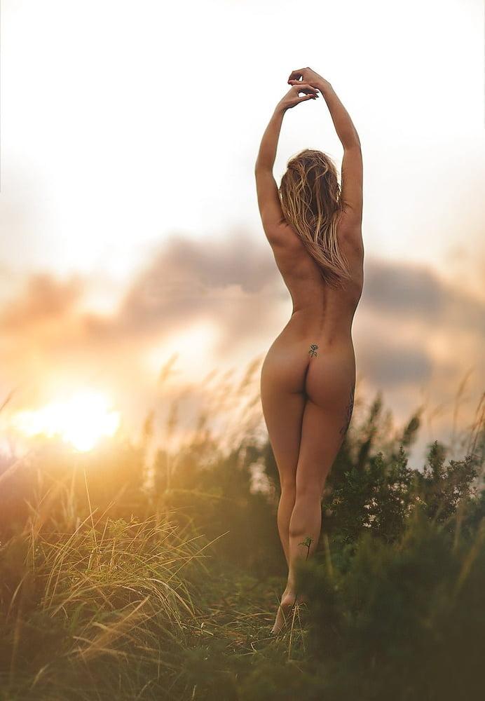 Giulia Amazing Nude Girl